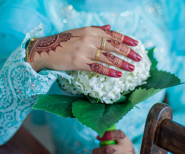 EyeEm Selects Human Body Part Adult One Person People Only Women Flower Close-up Studio Shot Human Hand Women Beauty Freshness Henna Tattoo Henna Tattoo ❤ Henna Design Henna Art Hennadesign Flower Bouquet  Hand Bouquet
