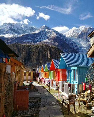 A paradise in the heights Colours Landscapes Nature EyeEm Best Shots EyeEm Nature Lover Eye4photography  Check This Out Outdoors Trekking House Built Structure Snow Covered Snowcapped