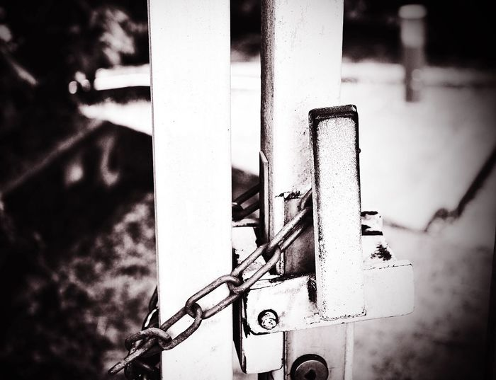 😩When u feel u like dat😫 Followme Sdsrg Likeforlike Beautiful Youngphotographer Photooftheday Locked Picture Pic Black & White Jail Streetphotography Street Photoart Photoday Streetart