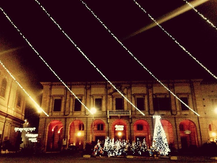 Bagnacavallo 's main Square one of the towns of the so called Bassa Romagna 🌿 Sofiavicchi Sofiavicchiconceptdesign Xmas Bagnacavallo Lights City Life City Lights City View  Discover Your City Architecture Architecture_collection Romagna