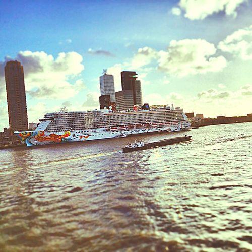 NorwegianGetaway Rotterdam First Eyeem Photo NorwegianGetaway Rotterdam Norwegiancruiseline Cruise Ship Cruiselikeanorwegian Maas NLRTM Nederland Holland Igersholland Igersrotterdam Instawalk010 Gersmagazine