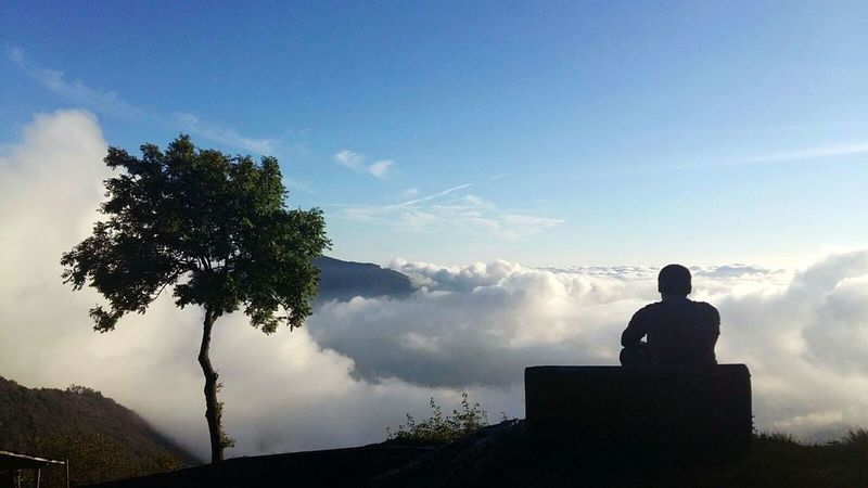 Lo sguardo lungo. One Man Only One Person Nature Silhouette Sky Outdoors Photograpghy  Mountain View Outdoors Tree Clouds And Sky Breathing Space Watching Backside Portrait Backside Backsidestories Young Man