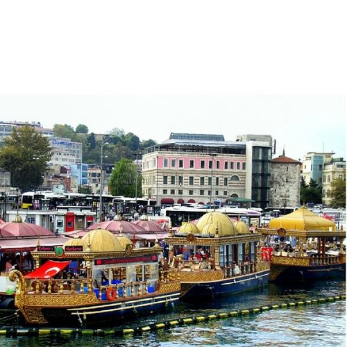 Travelling Street Photography Eminönü/ İstanbul Urban Architecture