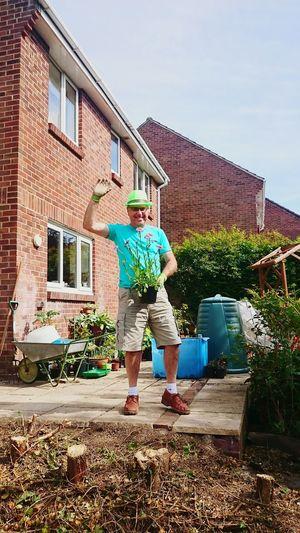 Taking Photos Neighbor Him Look Cool Working Garden Lolololololol Happy People David 😀😀😀