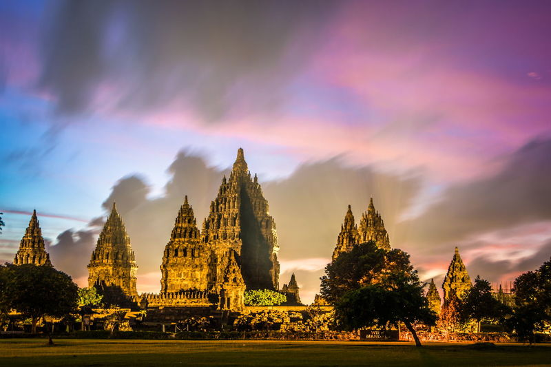 prambanan temple, indonesia Sky Architecture Landscape Pesonaindonesia Wonderful Indonesia Worldcaptures Indonesia_photography Landscape_Collection Landscape_photography INDONESIA Cultural Heritage Heritage Hindu Temple Landscape_lovers City Place Of Worship Spirituality Sunset Religion Business Finance And Industry Cityscape History Cultures Ancient Countryside Archaeology Pyramid Pyramid Shape Egyptian Culture Lakeside EyeEmNewHere