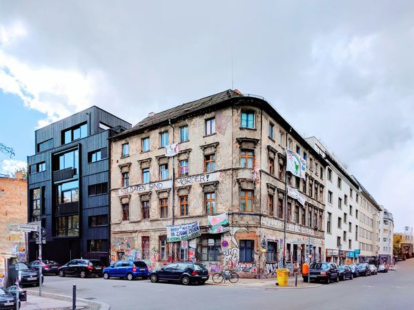 Walking Around in Mitte ... Besetztes Haus Squat Resistance  The Secret Spaces Resist