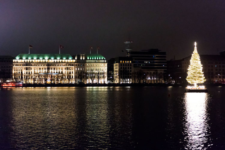 Binnenalster Christmas Christmas Lights Hamburg Hamburg Binnenalster Architecture Building Exterior Built Structure Christmas Tree City Germany Go-west-photography.com Hamburgmeineperle Illuminated Night No People Outdoors River Sky Travel Destinations Water Waterfront