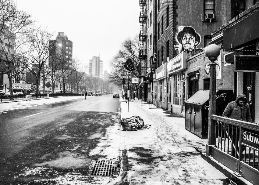 Building Exterior Snow Urbanphotography New York City Photos New York City Black And White Photography Streetphotography New York, New York Winter Street Built Structure City Black & White Street Photography Black And White Snowing