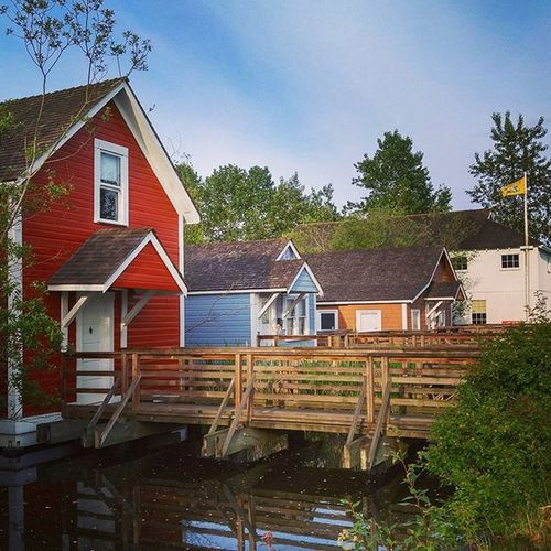 Quaint houses RichmondBC Architecture Stevestonvillage Steveston Vancitybuzz Beautifulbc