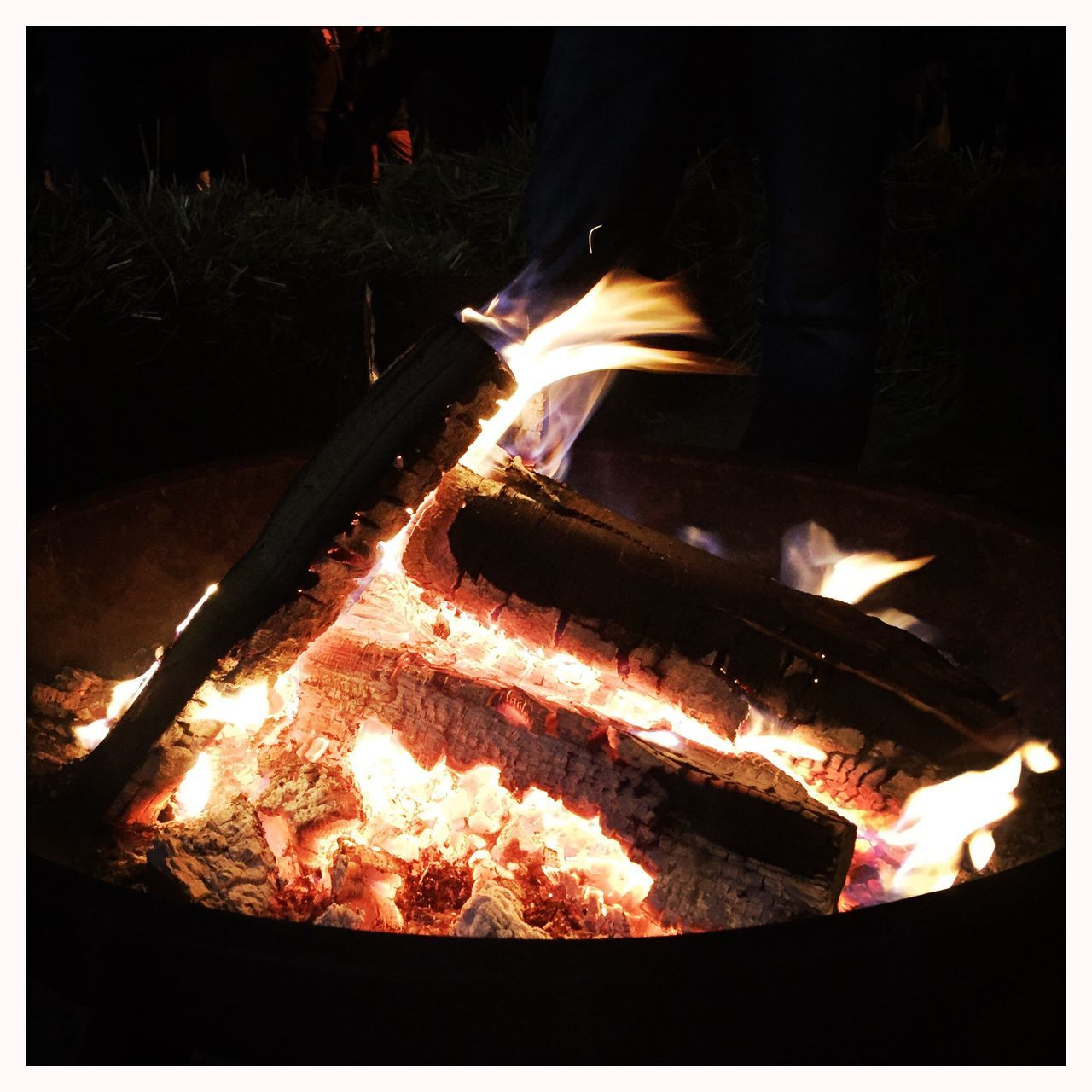 fire - natural phenomenon, flame, burning, heat - temperature, glowing, night, fire, bonfire, fire pit, long exposure, motion, preparation, campfire, barbecue, outdoors, food and drink, food, meat, no people, close-up, ash, illuminated