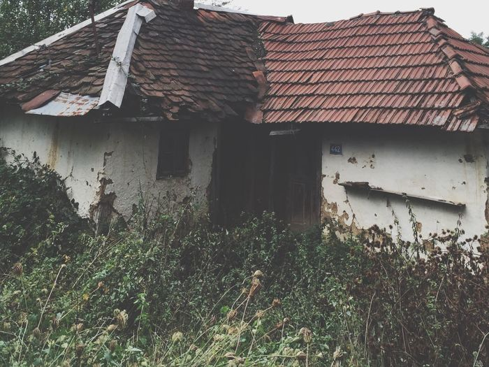 People left there houses because of the war, it's sadly what people are doing to each other 💔 Titovo Uzice