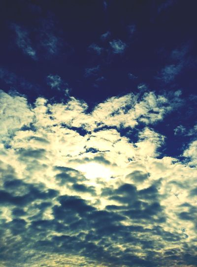 Cels Sky Cloud - Sky Low Angle View Sunlight Cloudscape Heaven Outdoors Low Angle View Personal Perspective Love Is In The Air Wakinthewoods Love ♥ Blue Strange Forms Of Nature Nature_perfection Beauty In Nature Sky And Clouds Núvols Nuvole Nubes Y Cielo nubes clouds Clouds And Sky