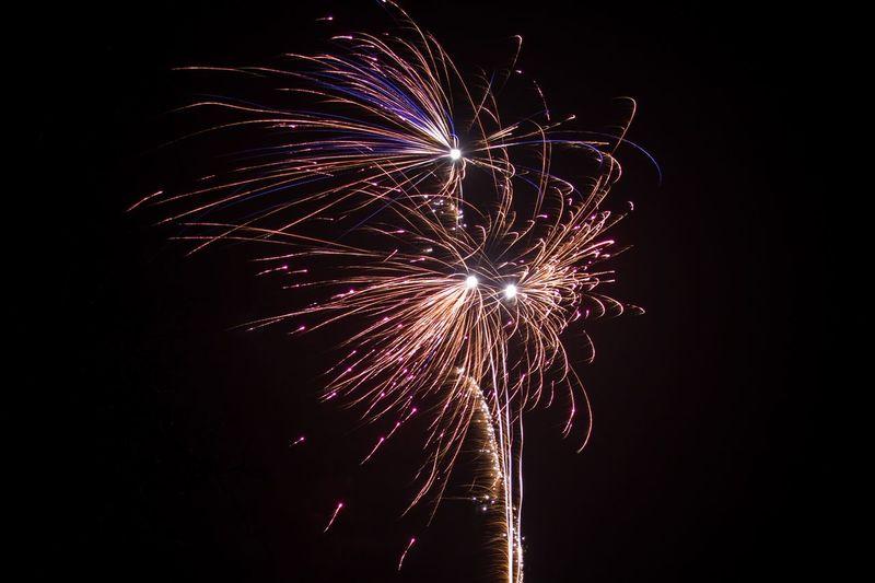 Celebration Night Exploding Glowing Long Exposure Outdoors Sparks Motion Firework Feuerwerk Funken Silvester