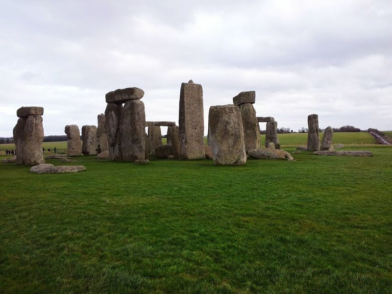 Old Ruin History Travel Destinations Grass Ancient The Past Built Structure Cultures Ancient Civilization England🇬🇧 English Countryside Uk Stonehenge Green Blue Stones Stone Inglaterra Sainsbury