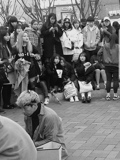 Girls Watching Boys City Life K Culture Streetperformance Korean Youth Performance Hongdae Kr_streetphotography Seoul_streetphotography Streetphotography Large Group Of People Bnwkorea Bnwseoul Bnwstreetphotography Bnwphotography Bnw_streetphotography Seoul Southkorea Seoulspring2017