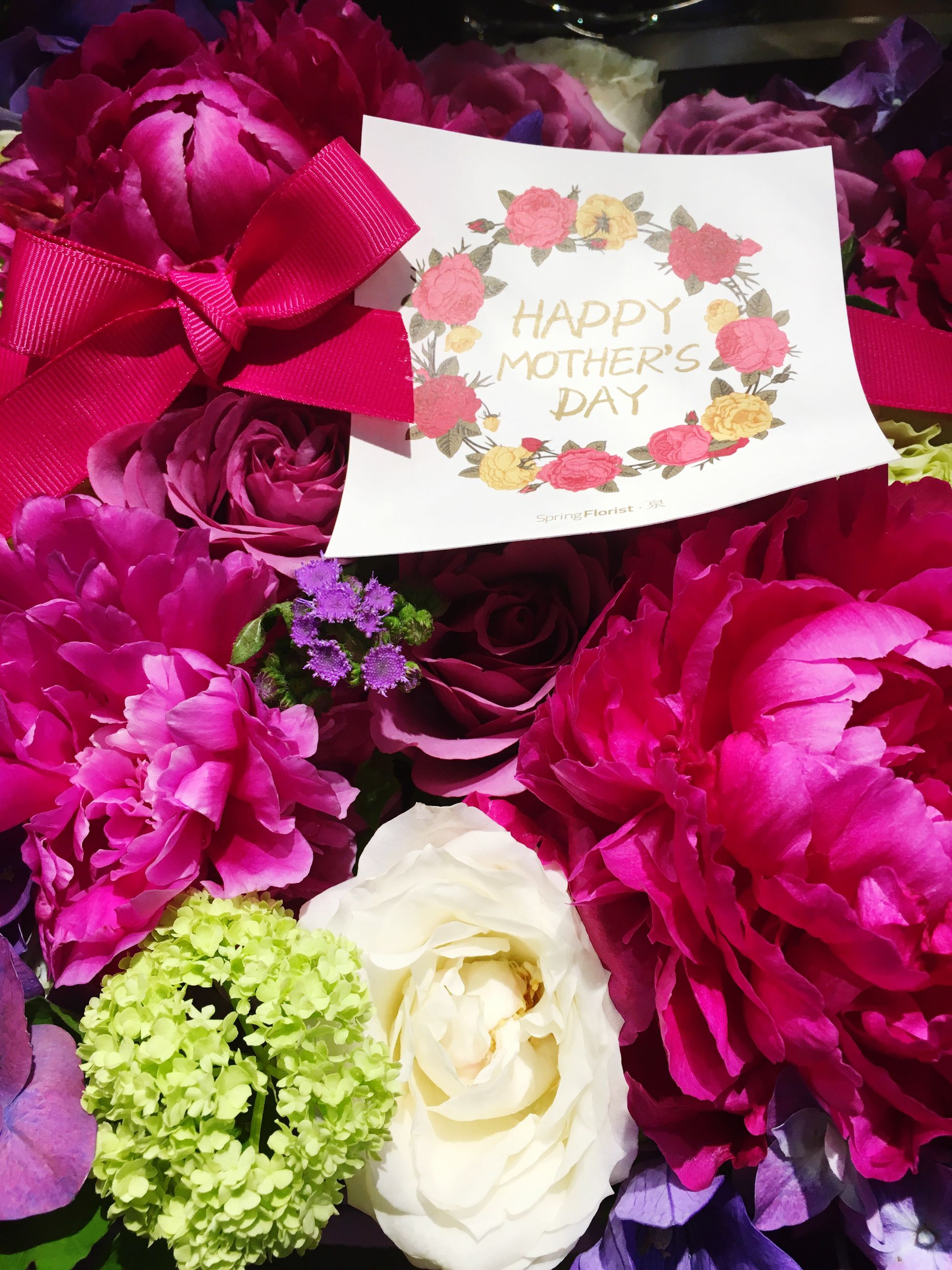 flower, freshness, indoors, petal, rose - flower, fragility, flower head, bouquet, beauty in nature, high angle view, pink color, bunch of flowers, close-up, abundance, full frame, decoration, multi colored, variation, nature, flower arrangement