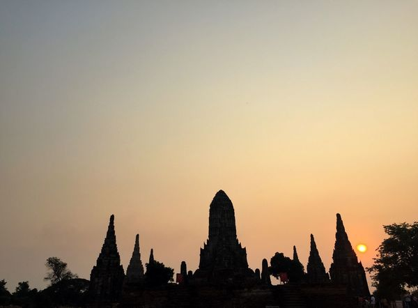 Sunset at Wat Chaiwatthanaram, Ayutthaya Thailand Temple Ayutthaya | Thailand Ayutthaya Wat Chaiwatthanaram Sunset Religion Statue Architecture Spirituality Travel Destinations Sculpture Building Exterior Ancient Civilization Built Structure Outdoors Dawn Silhouette Place Of Worship No People Gold Day