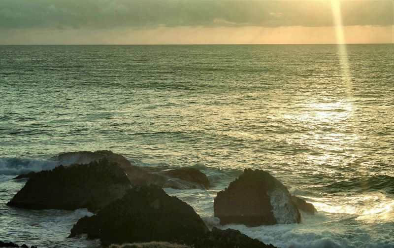 Beauty In Nature Horizon Horizon Over Water Motion Nature No People Outdoors Rock Rock - Object Scenics - Nature Sea Sky Solid Tranquil Scene Tranquility Water Wave
