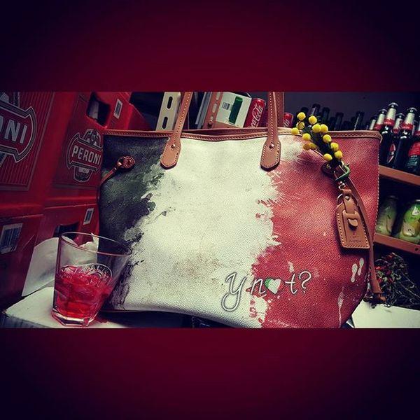 Drinkin... my women's day 😎Camparisoda Campari Peroni Birraperoni Peroniperterra Ynotaddiction Borsaynot Ynot Ynotbag Y_not
