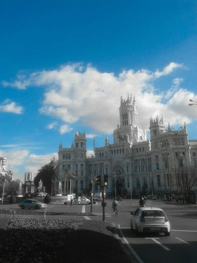 Sky Taking Photos Madrid Plaza Cibeles