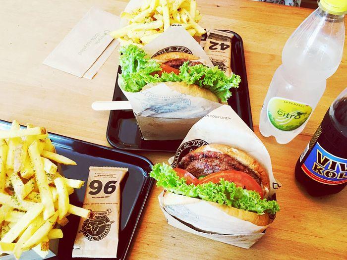 Heidi&Tell Burger Burger Healty Zürich Bahnhof Enge Saturday Food Pommes Switzerland