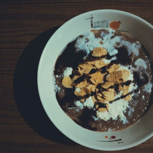 """Food Porn Awards a chocolate rice porridge I made for breakfast. Commonly known as """"Champorado"""", a breakfast meal in the Philippines, I added some cornflakes and hershey's syrup as a spin off. Food Porn Foodie Foodphotography Champorado"""