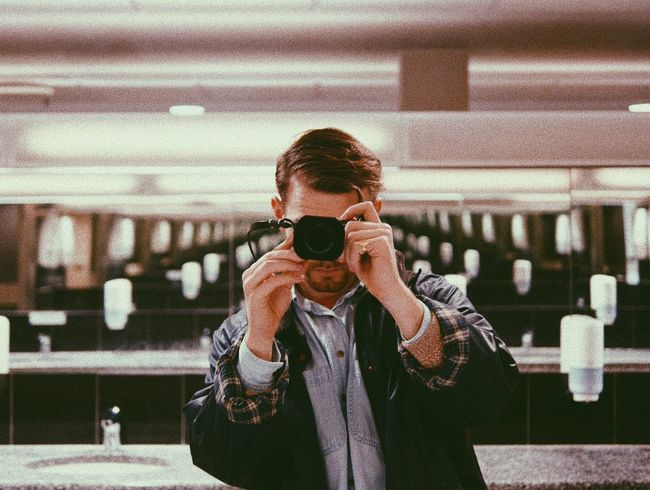 Iwantthatcamera One Person Real People Technology Photographing Lifestyles Holding Camera - Photographic Equipment