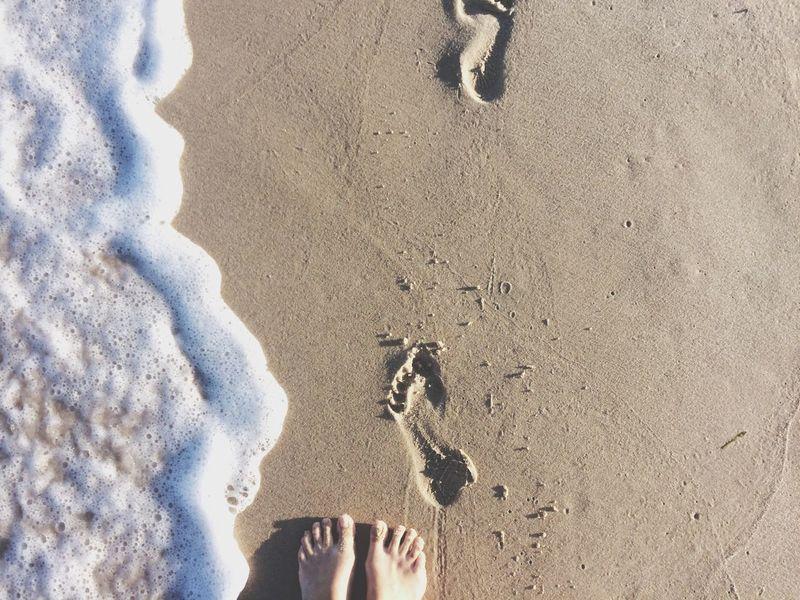 Beautiful Surroundings Beach Photography Beautiful Places Around The World Foot Prints