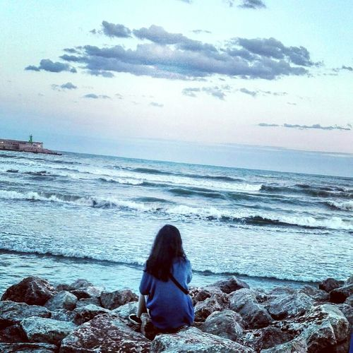 Beach Sea People One Person Adult One Woman Only Nature Sky Horizon Over Water Young Women Day Bestphoto Newhere Portrait Followforfollow EyeEmNewHere Nature_collection Beauty In Nature My Favorite Place Cloud - Sky Nature Taking Photos Dramatic Sky Love Nature