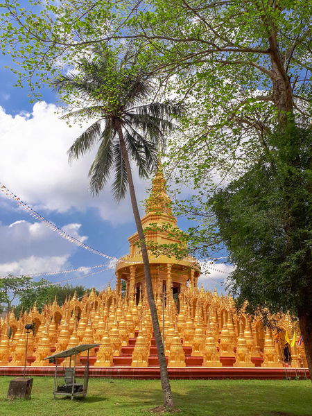 เจดีย์ ๕๐๐ ยอด สระบุรี Buddha Buddhist Temple Temple Temptation พุทธศาสนา พุทธ พระพุทธรูป วัด Temple - Building Temple Architecture TempleThailand สระบุรี Saraburi Saraburi Thailand Tree Place Of Worship Religion Spirituality Sky Architecture Building Exterior Built Structure