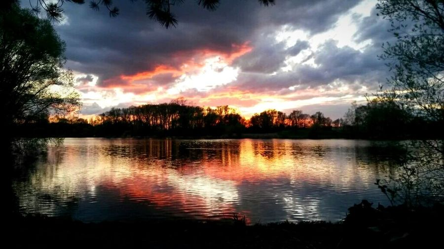 Sunset bonanza Lake Lake View Lake Shore Trees Nature Photography Nature Sunset Sunset And Clouds  Braunschweig Brunswick Water Reflections