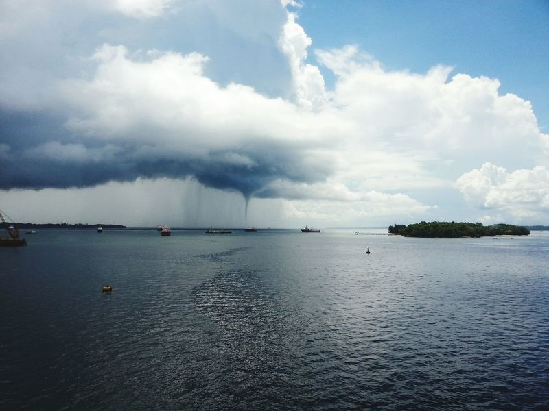 Water Sprite Offshore Sea Labuan Pearl Of Borneo Water Tornado Lost In The Landscape