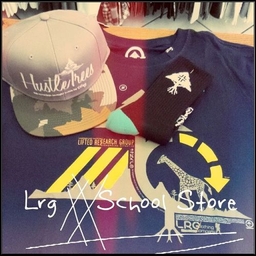 Só chegar e montar o seu kit Bone  Snapback Camiseta Meia lrg liftedresearchgroup schoolstore school store core lifestyle urbanwear skateshop boardshop siga followme follow me