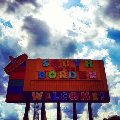 Ladiesandgentlemen Welcome to SouthOftheborder Southcarolina northcarolina amazing pitstop roadtrip charabiehfamilyroadtrip usa