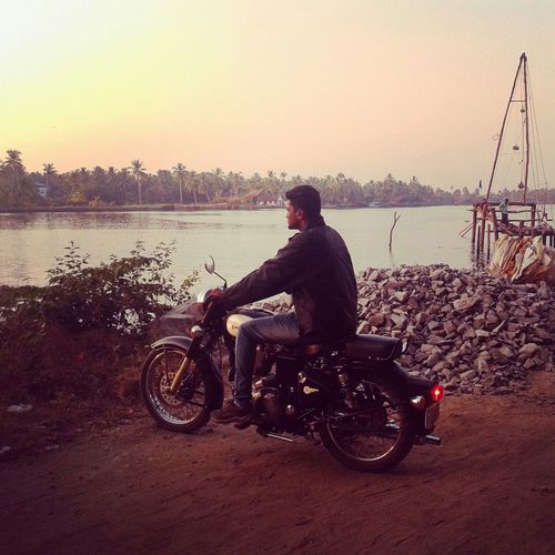 That's Me Enfield Bullet Sunset Evening Sky Vallarpadom Kochi Relaxing Lonride Royalenfield Ride Travel Photography Motorcycle biker