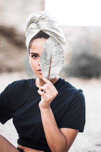 Lovve Strong Woman 💖 Natural Beauty The Portraitist - 2018 EyeEm Awards Eyeeminstagram EyeEm EyeEm Selects One Person Focus On Foreground Real People Females Portrait Women Front View Traditional Clothing Human Body Part Adult Headshot Day Young Adult Waist Up Looking At Camera Clothing Young Women Holding Veil