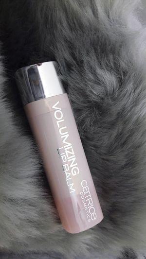 Lipbalm Lipstick Vegan Crueltyfree Fakefur Close-up Studio Shot