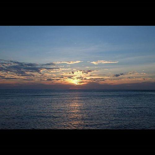 Sunset in Manado! @imanado @instanusantara @instanusantaramanado Instanusantara Instamanado Instnusantaramanado Sunset