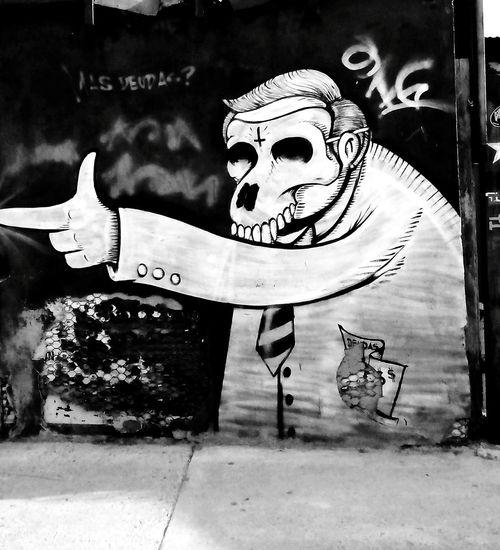 Taking Photos Streetphotography Streetphoto_bw Black And White Blackandwhite Photography Black And White Collection  Urbanphotography Urban Photography Art, Drawing, Creativity Graffiti Wall
