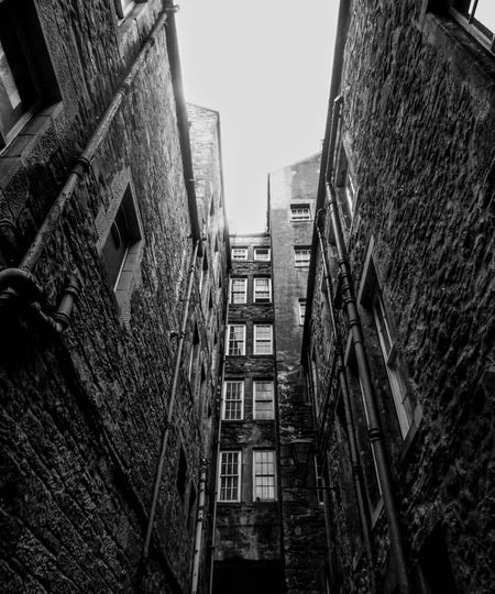 Edinburgh 2018 Edinburgh EyeEmNewHere Architecture Built Structure Building Exterior Building City Low Angle View EyeEmNewHere Residential District Window No People Outdoors Tall - High