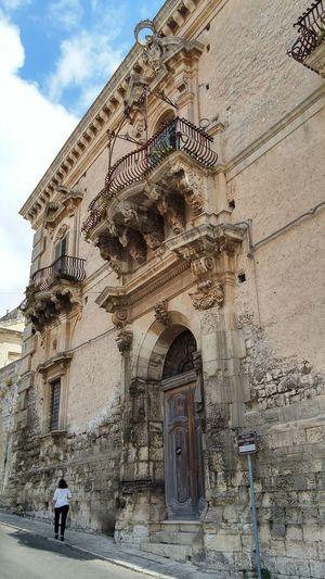 Architecture Built Structure Building Exterior Travel Destinations Low Angle View Outdoors Leisure Activity Architecture Sicily