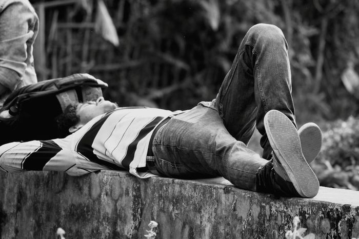 Beggar India Assam Men Close-up Sleeping Tired Exhaustion Hangover Laziness Headache Working Late Insomnia Waking Up Napping Axe Armed Forces Yawning Pet Bed Military Parade At Home Army Helmet Military Bedtime Army Army Soldier Cat The Street Photographer - 2018 EyeEm Awards