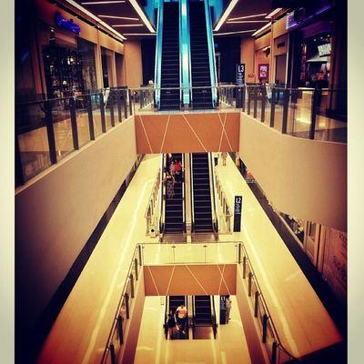 Levels and bridges Centurycitymall Mall Lines Lightology_highlight