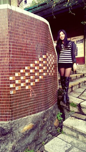 自己和友人的街頭藝術團體BunnyBug有戶外展覽在淡水重建街,可以去看看ㄛヾ(*´∀`*) 粉絲頁:https://m.facebook.com/BunnyBugArt Taking Photos Streetart Enjoying Life Art Show