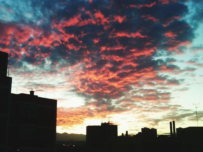 El cielo en llamas