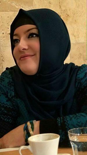 Her daim gülebilen bi insanım ben tebessüm Smile (: 😊😇✌