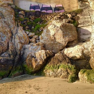 Graffiti Architecture Beach Beauty In Nature Butts Cute Day Nature No People Outdoors Rock - Object Rock Formation Sand