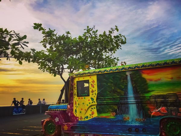 Jeepney Sky Tree Real People Cloud - Sky Men Large Group Of People Outdoors Leisure Activity Beauty In Nature People