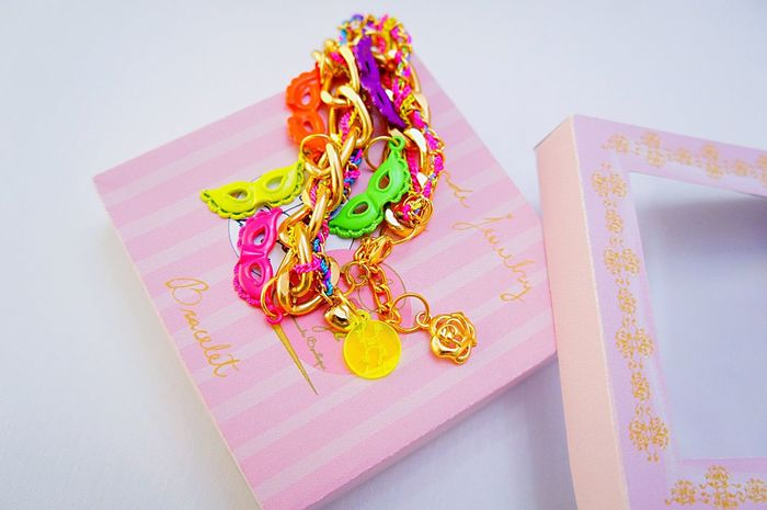 Electric rococo party bracelet⚜🍭💖 Laviniafenton Jewelry Etsy Boutique Design Enjoying Life Hello World Check This Out Fancy Fluo  Rococo Gold Handmade Jewellery EyeEm Gallery Showcase April Photography First Eyeem Photo Colors Weekend Mask Party