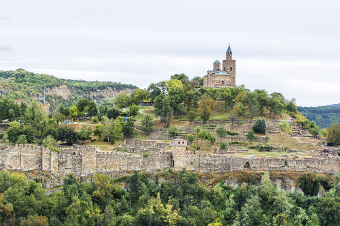 Fortress Tsarevets in Veliko Tarnovo (Bulgaria) Ancient Castle VelikoTarnovo Walking Around Architecture Building Building Exterior Built Structure Bulgaria Fortress Hill Historic Historical History Sky The Past Travel Destinations Tree Tsarevets